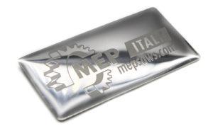 targhetta in acciaio